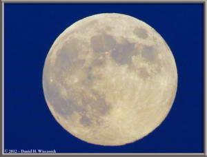Aug31_51_MtTakao_MoonRC