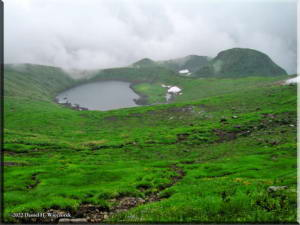 MtChokai_AlpineLake_MidSlope01RC.jpg