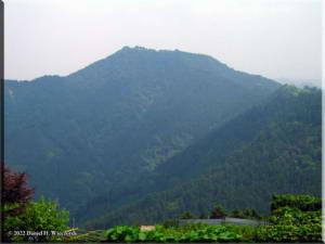 Mt_HinodeFromMt_Mitake02RC.jpg
