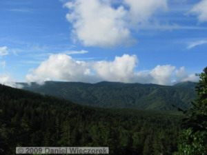 Aug04_Mt_Hakkoda_Climb008_SceneryRC.jpg