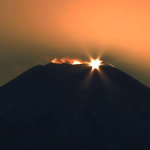 Dec19_89_MtFuji_DiamondFujiDay_CropAdj